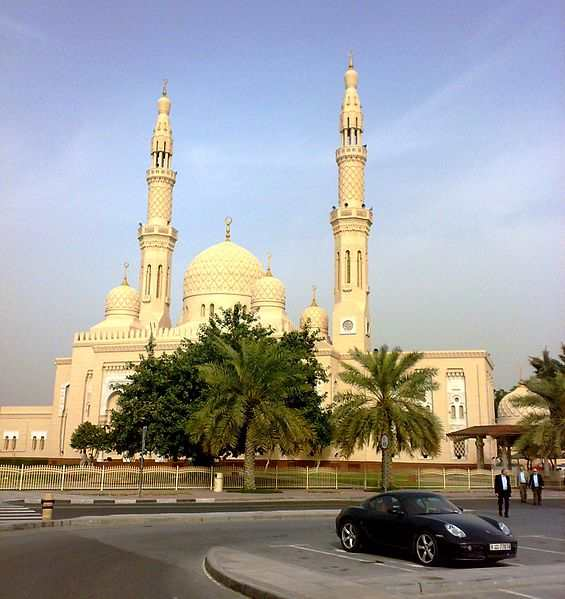 565px-Dubai_UAE_Jumeirah_Mosque_1301200712683