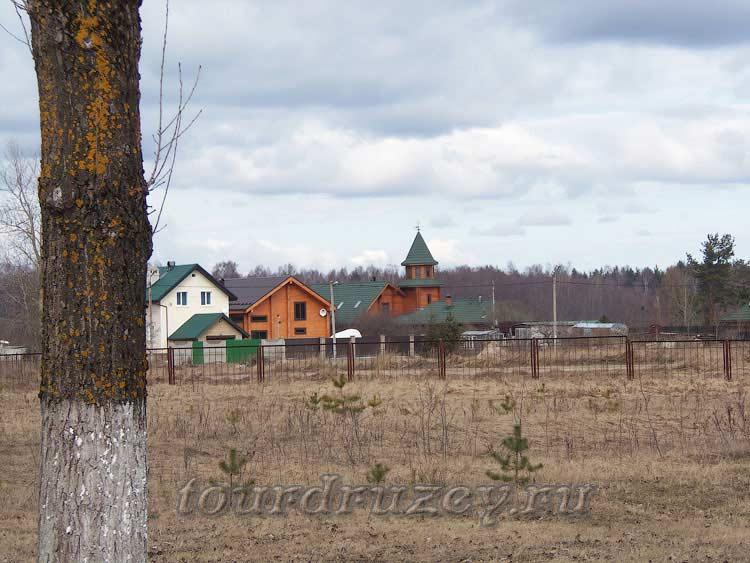 Жилые дома у окраины Невского Пятачка