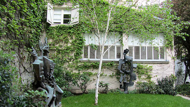 Музей скульптора Цадкина, Париж