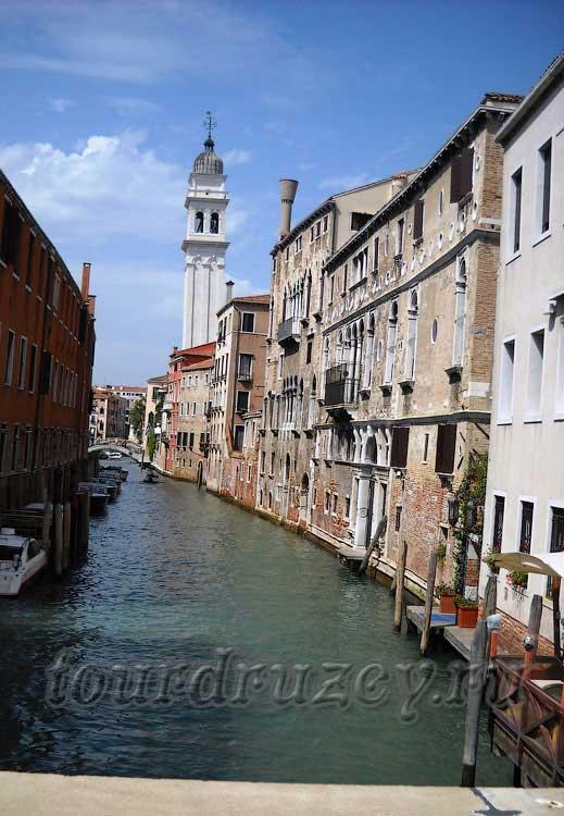 Венеция медленно погружается в воду