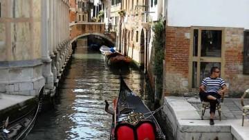 «Здесь был Вася», или За что штрафуют туристов в Венеции?