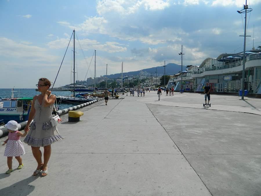 Прогулка по набережной Ялты