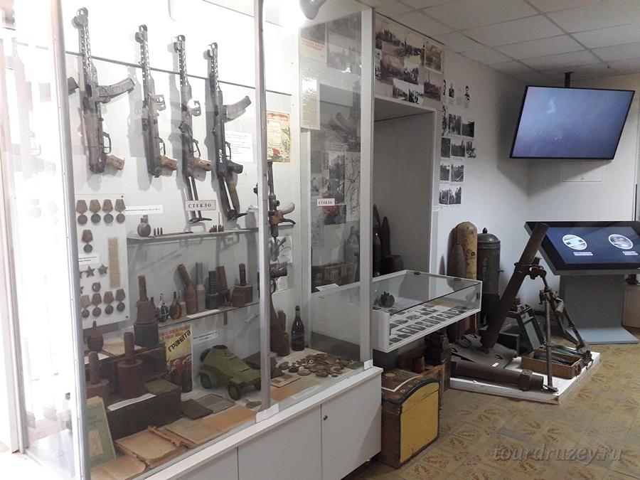 Богатая коллекция оружия в музее